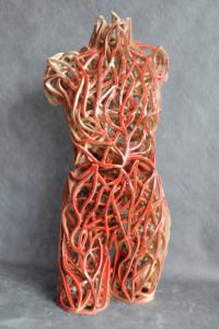 Keramik-skulptur: Torso weiß-rot.