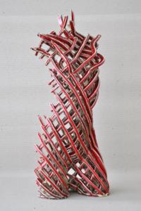 Rzeźba ceramiczna: tors czerwony.