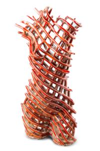 Rzeźba ceramiczna: tors czerwony. Front.